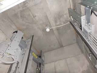�Aエレベーターシャフト天井.jpg